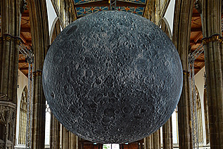 The Moon in Hull Minster